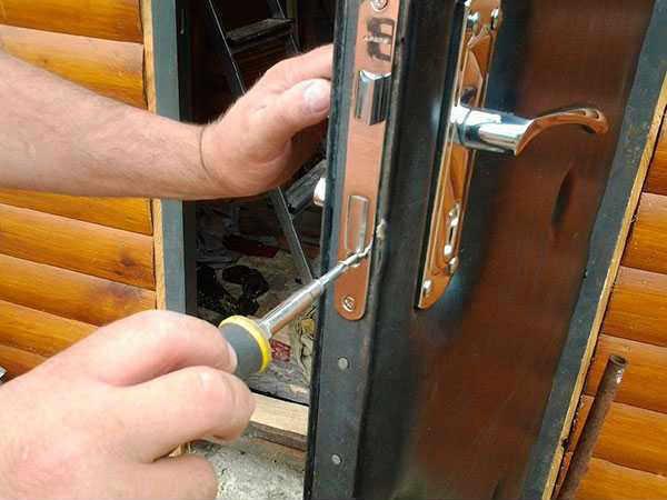 ремонт дверных замков