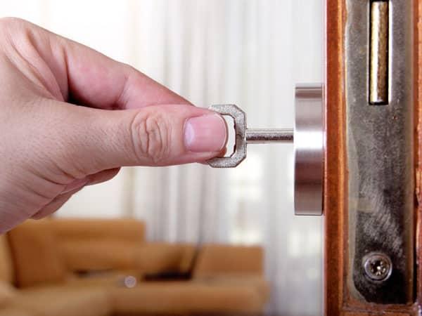 ключ и дверь
