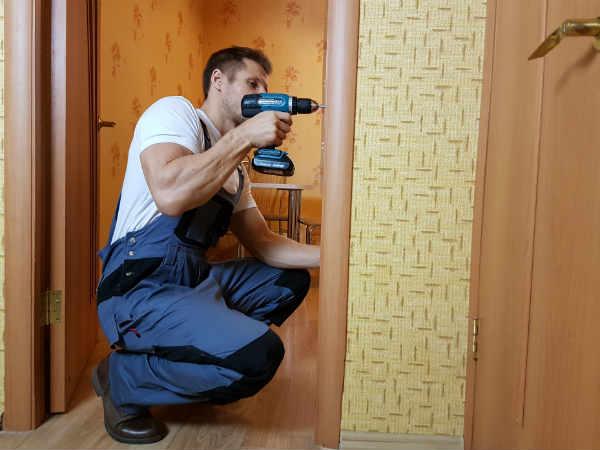 как починить двери