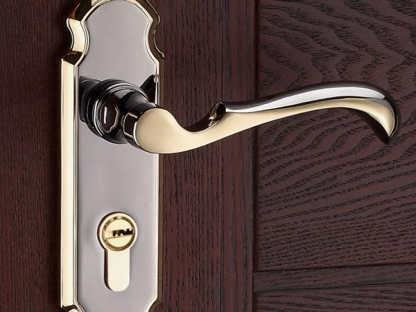 Профессиональный ремонт дверных ручек