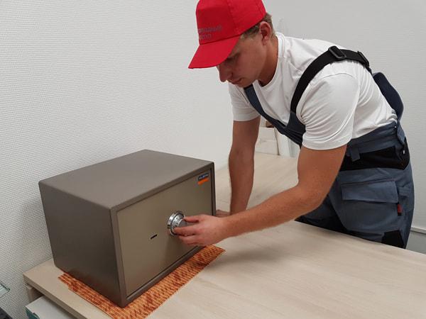 как самому починить сейф