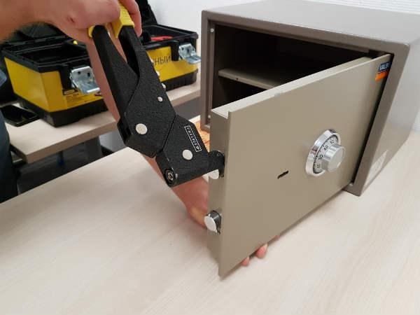 как починить сейф